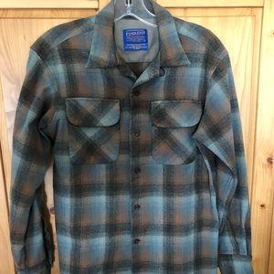 Pendleton wool size small button up shirt